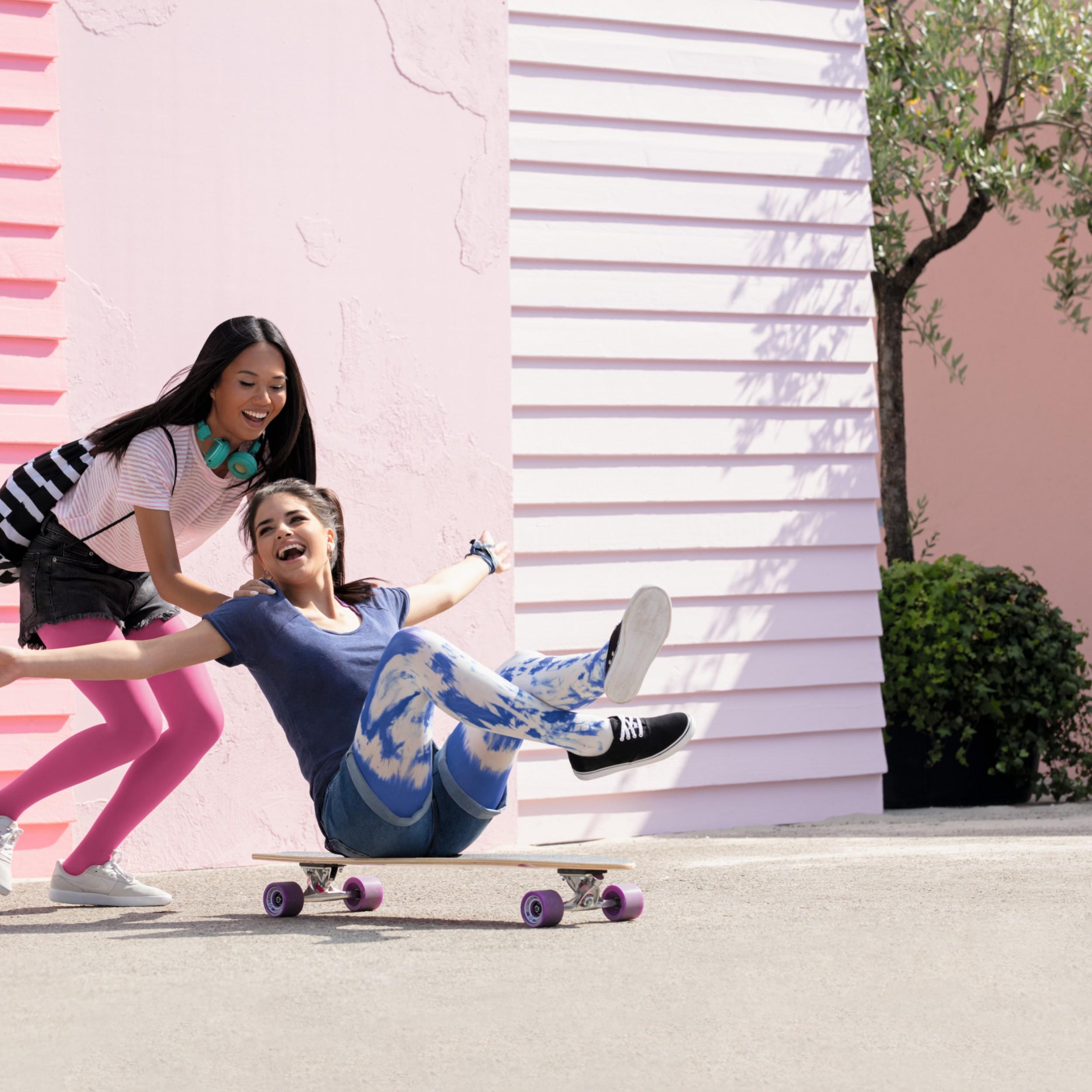 Lifestyle_Juzo_TrendColours2020_Pink_Blue_Batik